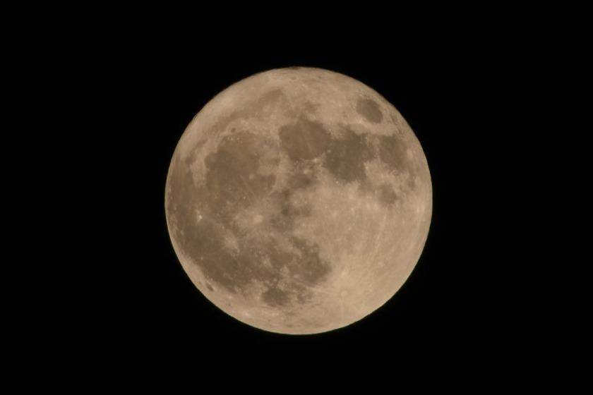 Moon 1000x667